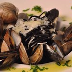 Black linguini clams and mussels