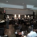Photo de Southern Sun O.R Tambo International Hotel