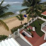 Foto van Villa Tropical Oceanfront Apartments on Shacks Beach