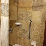 Photo de Hampton Inn & Suites Nashville - Vanderbilt - Elliston Place