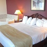 Foto de AmericInn Lodge & Suites Marshall
