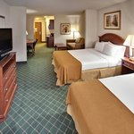 Photo de Holiday Inn Express Hotel & Suites Bellevue