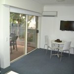 Photo de Montego Sands Holiday Apartments Gold Coast