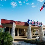 Big Texas Inn resmi