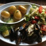 Plaice with Mussels and salad