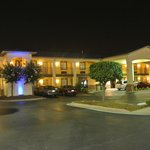 Americas Best Value Inn & Suites-University