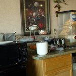 This is the huge breakfast bar that you have to choose from. ..   Was going by earlier reviews,