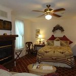 Greenbriar Country Inn & Suites