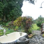 outdoor shower and bathtub- AMAZING experience!