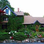 Ivy Manor Inn & Michelle's Fine Dining