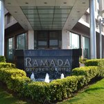 Ramada Gurgaon Central resmi