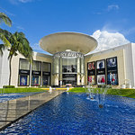 Luxury Avenue Cancún