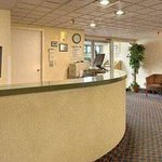 Foto Roseville Inn & Suites