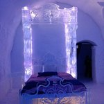 "Bed in the ""Disney's Frozen"" suite"