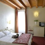 Diana's Rooms & Suites의 사진