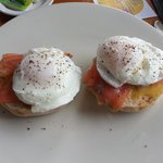 Garys perfect poached eggs (and salmon muffin)