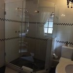 superb shower and facilities in the amethyst suite