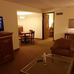 Foto de DoubleTree Suites by Hilton Hotel Seattle Airport - Southcenter