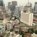 Photo de Bandara Suites Silom