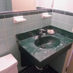 retro green sink