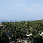 Foto de Pullman Oceanview Sanya Bay Resort & Spa