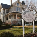 Φωτογραφία: The Historic Morris Harvey House Bed and Breakfast
