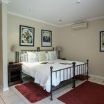 Westville Bed & Breakfast resmi
