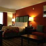 Φωτογραφία: BEST WESTERN PLUS Windsor Gardens Hotel & Suites and Conference Center