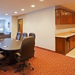 Φωτογραφία: Holiday Inn Express Hotel & Suites Stephenville