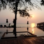 Photo de Baan Talay Dao Resort