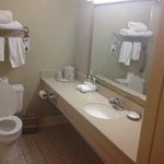 Foto van Holiday Inn Express Hotel & Suites Pasadena-Colorado Blvd.
