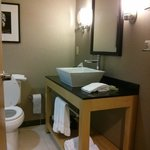 Foto di Cambria Suites Raleigh-Durham Airport