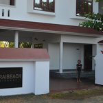 Photo de Cherai Beach Residency