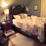 Quartermain House B&B resmi