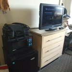 The obligatory bureau/flatscreen/micro/fridge configuration packs in all the necessities.