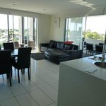 The Chermside Apartments resmi
