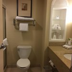 صورة فوتوغرافية لـ ‪Holiday Inn Express & Suites Fort Myers- The Forum‬