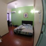 Photo de Travellers Planet Hostel