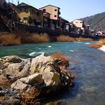 Kiso River, the hotel looks over the river