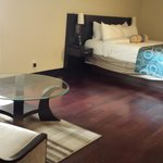 huge master bed room in 2 bed room suite