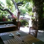 Townehouse outdoor dining