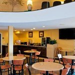 Photo de Clarion Inn & Suites