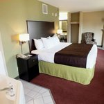 Photo de AmericInn Lodge & Suites Okoboji