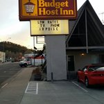 Photo de Budget Host Inn Williams