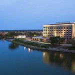 Embassy Suites East Peoria - Hotel & RiverFront Conf Centerの写真