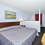 Photo de Americas Best Value Inn & Suites Knoxville