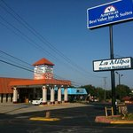 Americas Best Value Inn and Suites Denton resmi