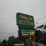 Ashley Inn & Suites