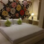 Sino House Phuket Hotel and Apartment resmi