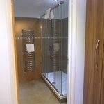 The luxurious shower in the Single